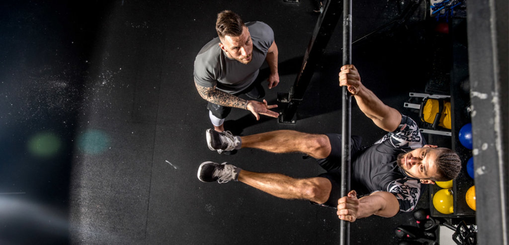 Tips on How to Do a Muscle-Up | FitMinutes.com