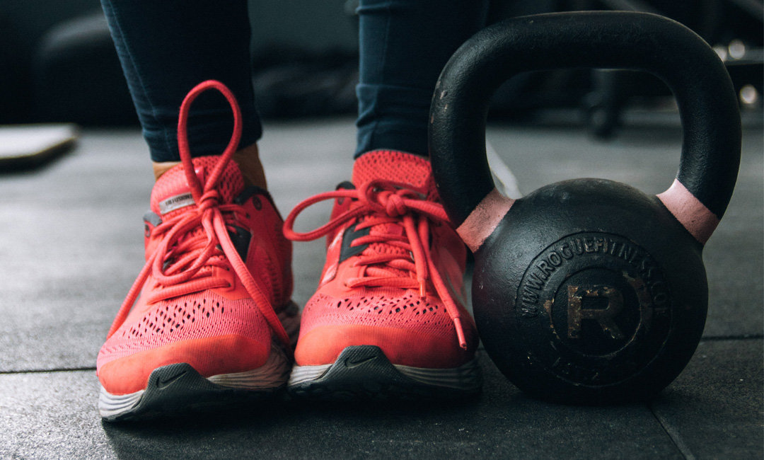 7 Reasons You Should Be Doing Kettlebell Exercises   FitMinutes.com